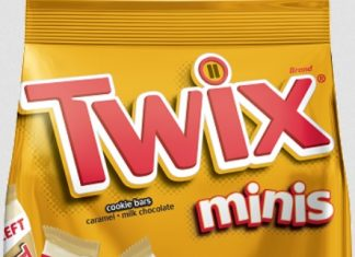 Twix Minis cookie bars